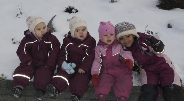 P� formiddagen tok vi en tur ut for � spise julegr�t og se om kanskje nissen ville komme p� bes�k :)